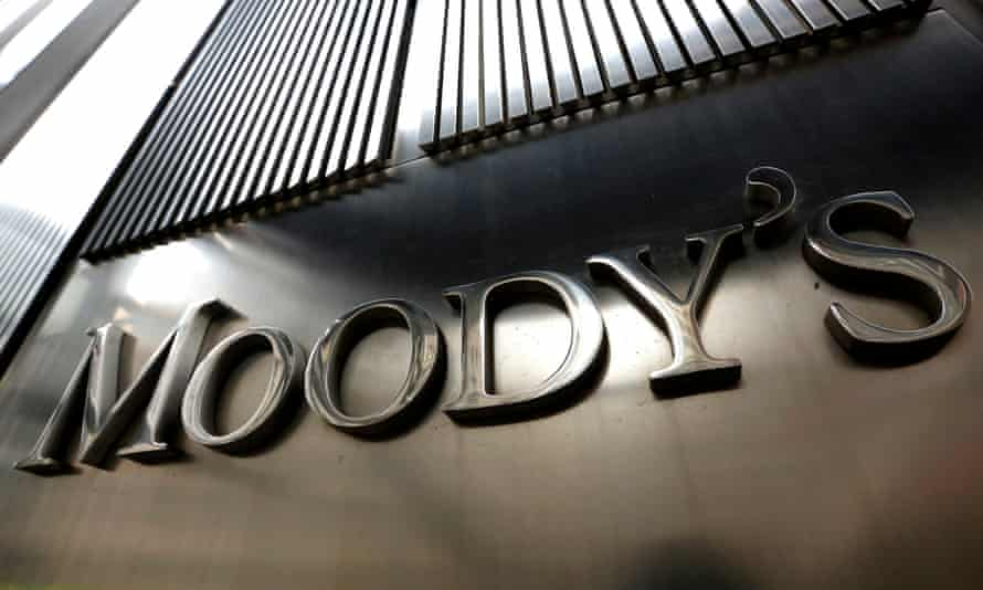 Moody's Warns it may Downgrade UK Credit Rating