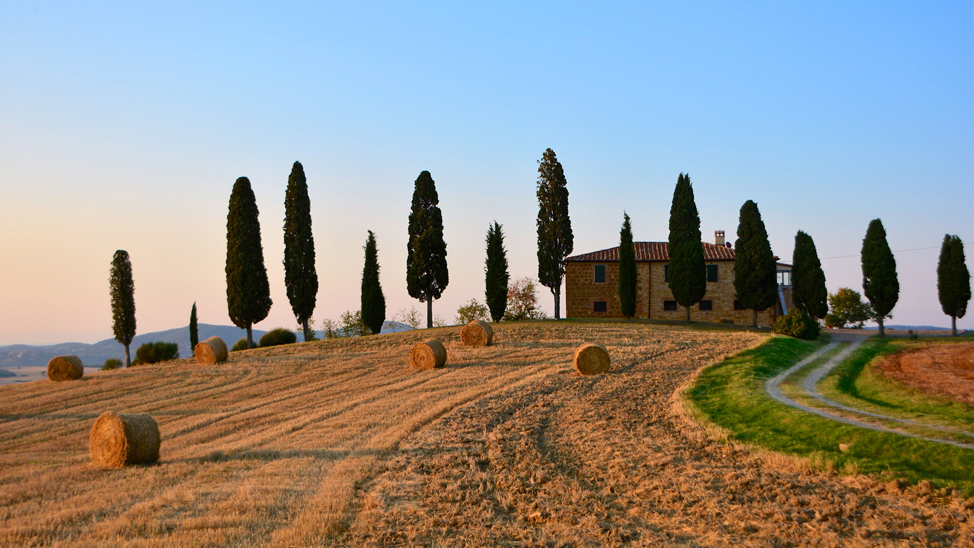 Experience beautiful Tuscany and Umbria